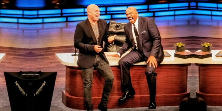 Keven Grace Show Steve Harvey His New Office